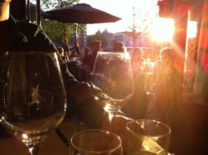 wijn uit het glas