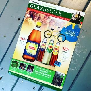 GLASHELDER – ACHTERGRONDARTIKELEN